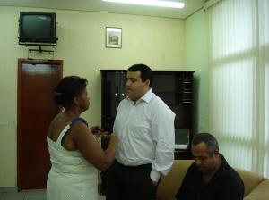 Julinho é notificado de sua diplomação pela funcionária do Cartório Eleitoral