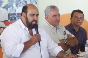 Prefeito eleito Sergio Ribeiro  e Salim Reis, vice, e o vereador Alexandre Pimentel