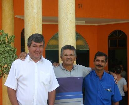 Autor da homenagem Claudio Adriane, Zé Pereira e o vereador Milton Borracheiro