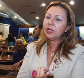 A vereadora maceióense Tereza Nelma (PSB) propos e a Câmara aprovou